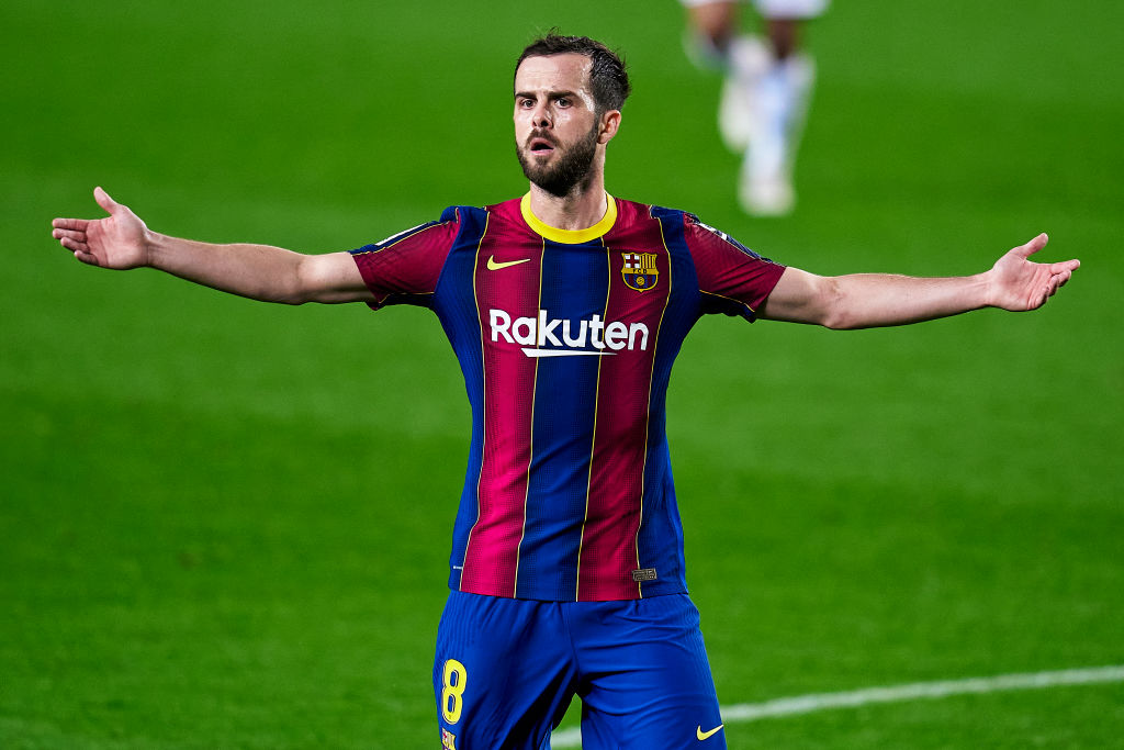 Chelsea in the race to sign Barcelona star after cryptic social media message